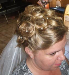 Menyasszonyi frizura 2