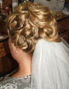 Menyasszonyi frizura 3